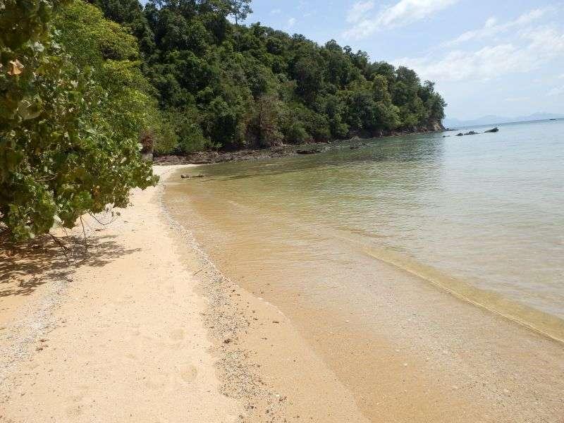 Marina Bay auf der linken Seite