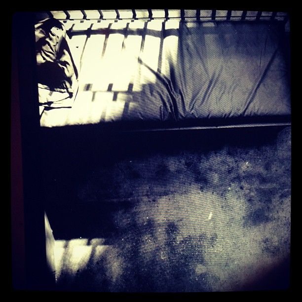 http://img43.imageshack.us/img43/2866/20130308picturesmadonna.jpg